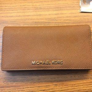 Michael Kors Wallet // Brown